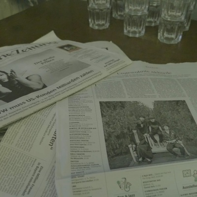 Elogieux article paru dans le Süddeutsche Zeitung du 21 avril au côté de Prince.RIP.